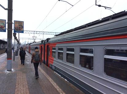 ขบวนรถไฟชานเมืองจากมอสโควไปเซอกิเยฟ โพสาด (Sergiev Posad)