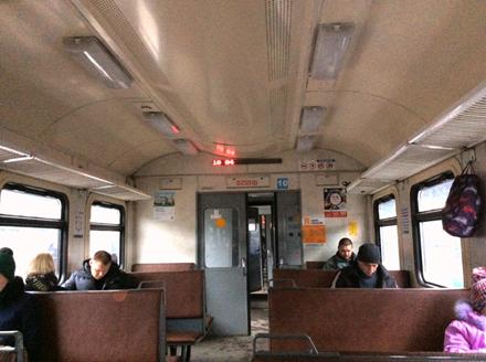 ลักษณะที่นั่งของขบวนรถไฟชานเมือง
