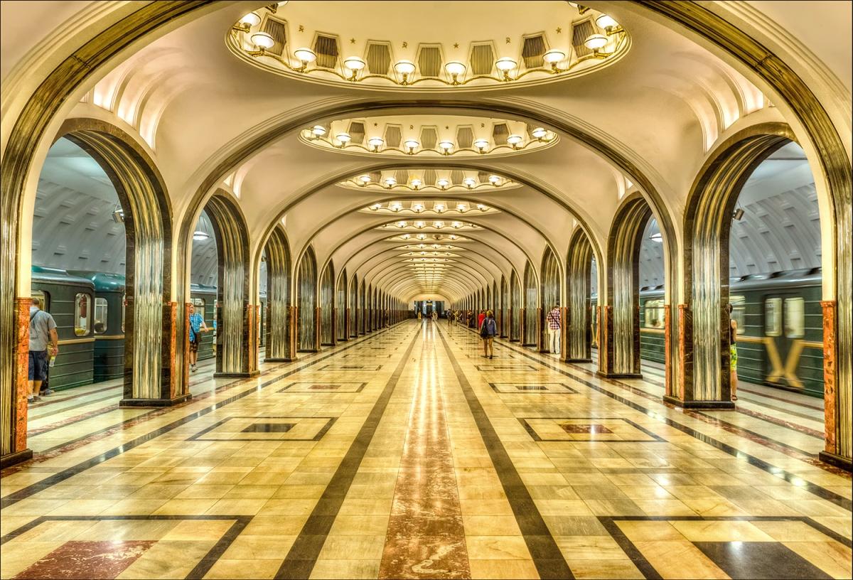 ผลการค้นหารูปภาพสำหรับ สถานีรถไฟใต้ดินกรุงมอสโคว